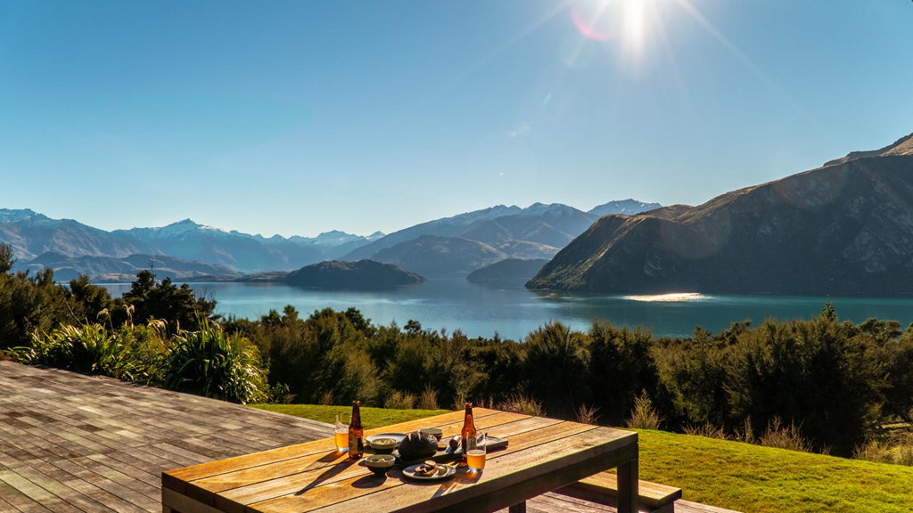Can biet thu 'tua nui nhin ho' tren day Alps cua New Zealand hinh anh 3