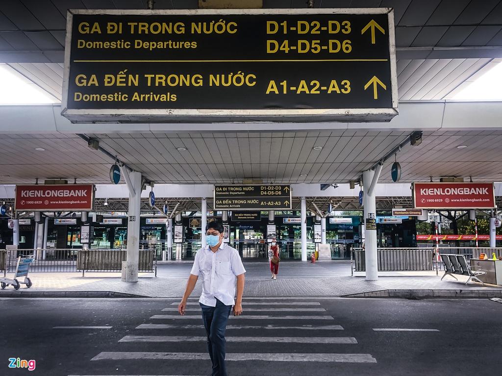 Tân Sơn Nhất những ngày chỉ có 6 chuyến bay nội địa - Ảnh 2.