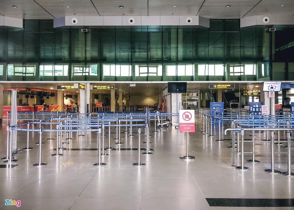 Tân Sơn Nhất những ngày chỉ có 6 chuyến bay nội địa - Ảnh 4.