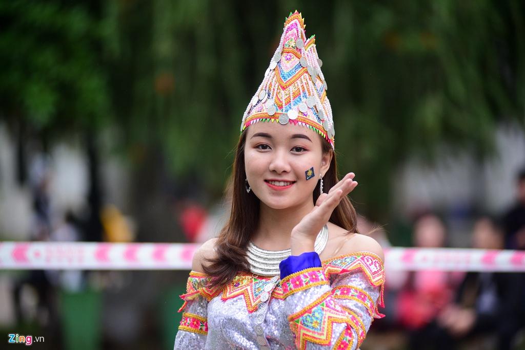 Sinh viên người Mông rạng rỡ đón Tết giữa Hà Nội
