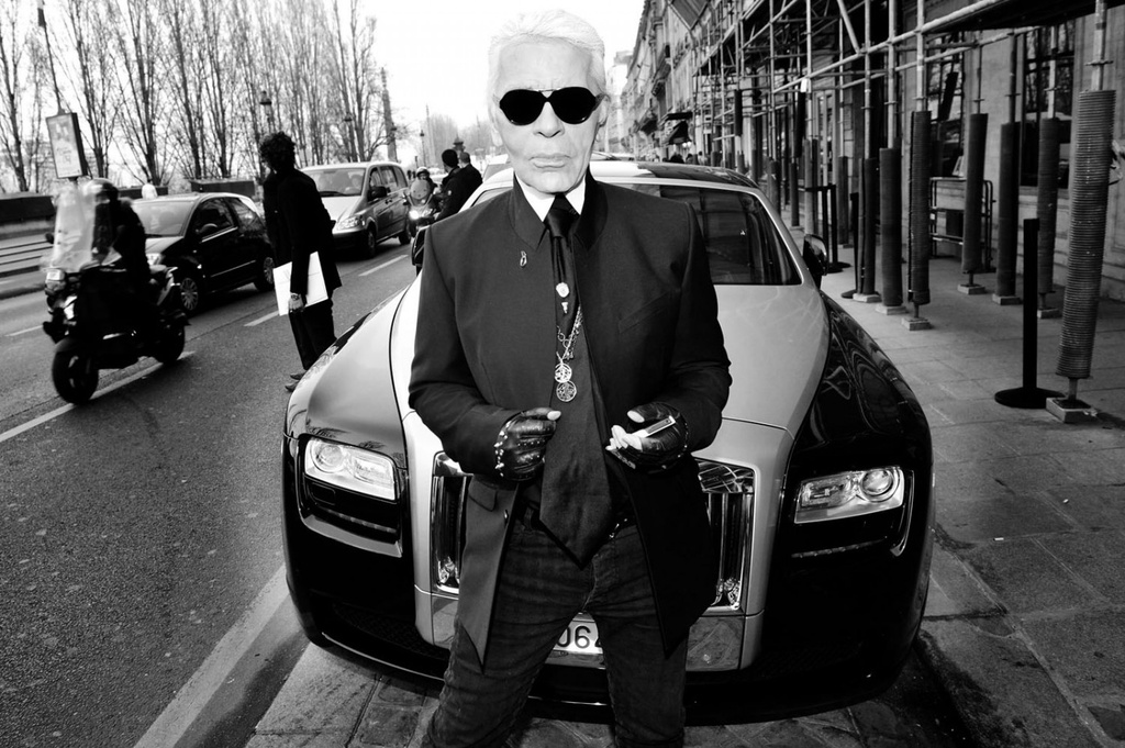 'Huyen thoai Chanel' Karl Lagerfeld va moi duyen voi nhung chiec xe hinh anh 3