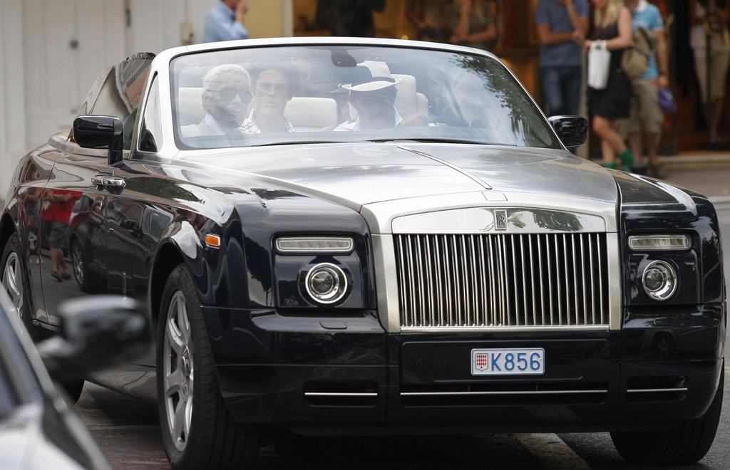 'Huyen thoai Chanel' Karl Lagerfeld va moi duyen voi nhung chiec xe hinh anh 1