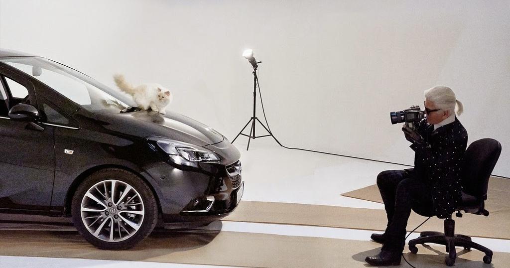 'Huyen thoai Chanel' Karl Lagerfeld va moi duyen voi nhung chiec xe hinh anh 9