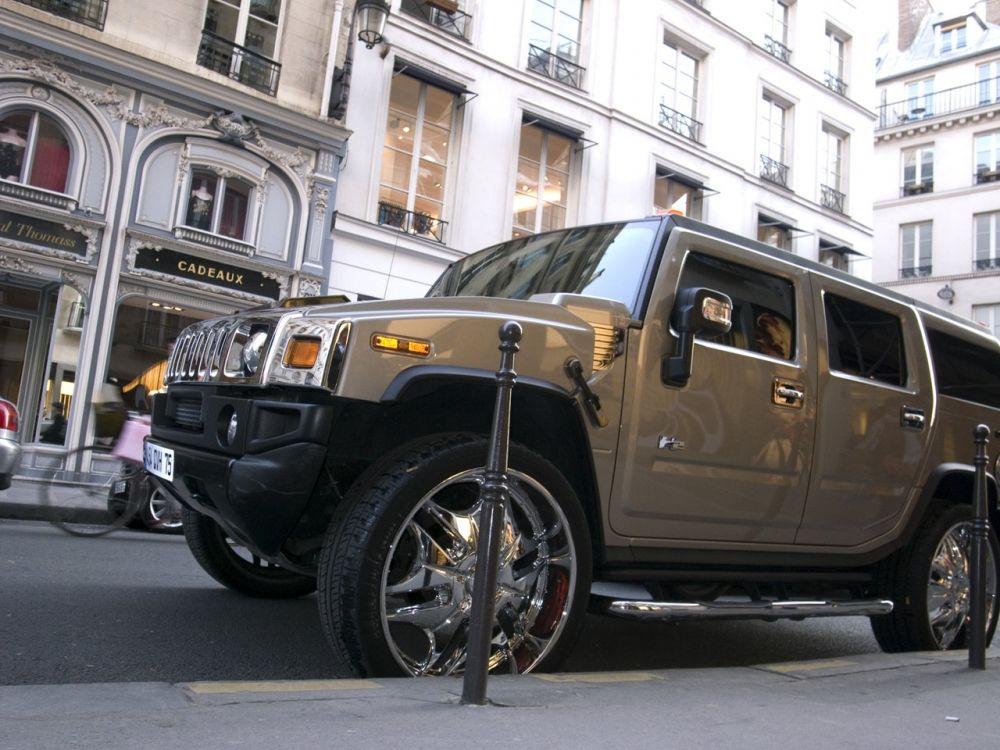 'Huyen thoai Chanel' Karl Lagerfeld va moi duyen voi nhung chiec xe hinh anh 5