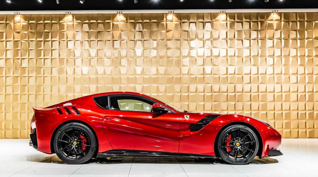 Ferrari F12tdf tang gia gap 3 sau 4 nam su dung hinh anh 3