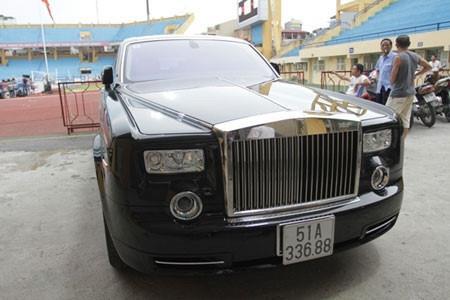 Le Thanh Than va cac dai gia so huu Rolls-Royce vuong vong to tung hinh anh 2