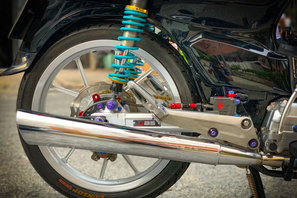 'Huyen thoai' Honda Dream voi dan phu kien 200 trieu hinh anh 10