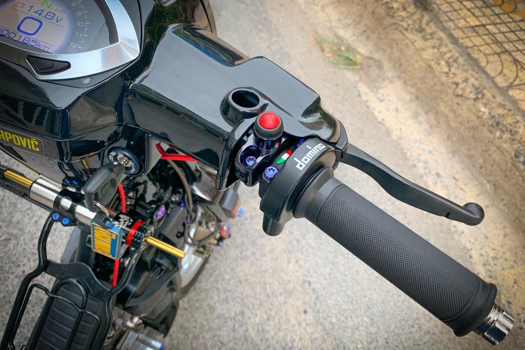'Huyen thoai' Honda Dream voi dan phu kien 200 trieu hinh anh 4