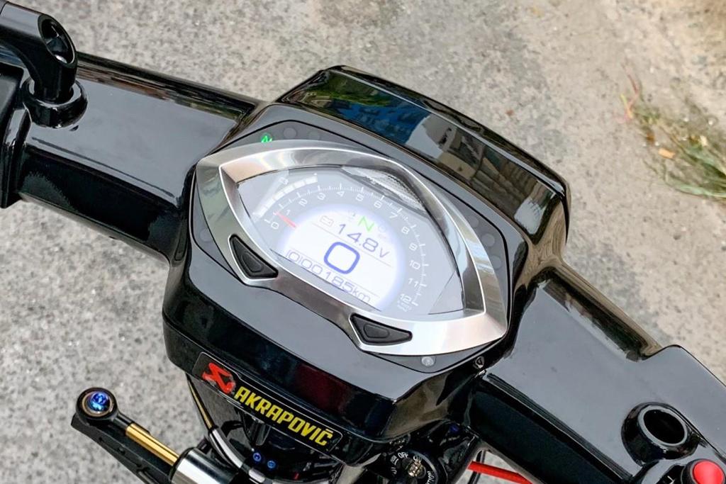 'Huyen thoai' Honda Dream voi dan phu kien 200 trieu hinh anh 5