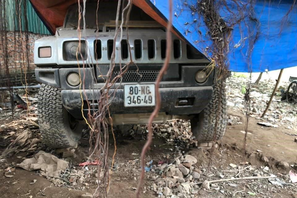 Ford Mustang, Hummer H2, Land Rover bi bo roi tai Ha Noi hinh anh 7