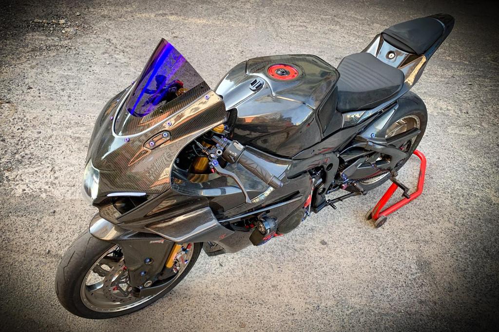 Suzuki GSX-R1000 do dan ao carbon ton nua ty dong cua biker Sai Gon hinh anh 11