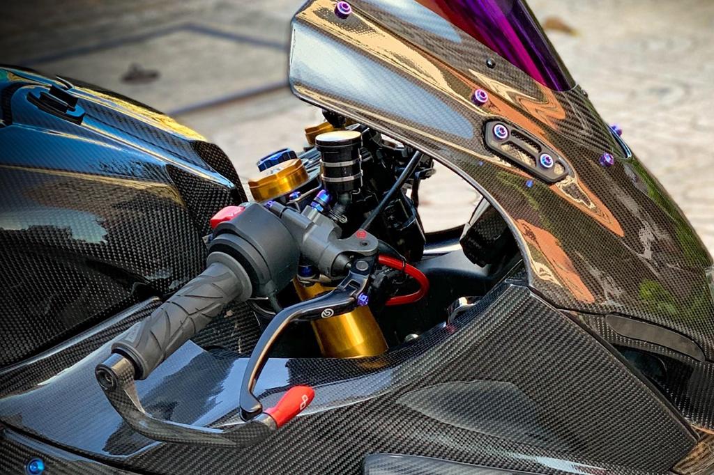 Suzuki GSX-R1000 do dan ao carbon ton nua ty dong cua biker Sai Gon hinh anh 8