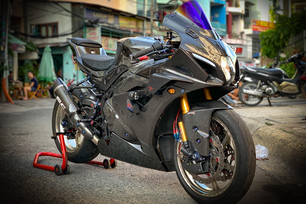 Suzuki GSX-R1000 do dan ao carbon ton nua ty dong cua biker Sai Gon hinh anh 1