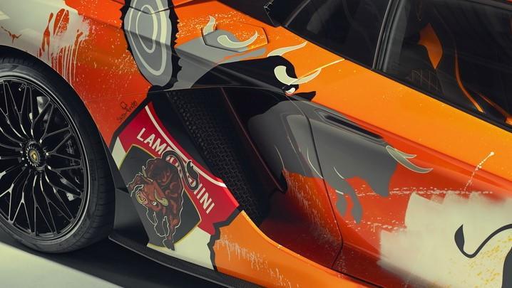 Ngam Lamborghini Aventador S 'ban ve tay' cua thanh nien 19 tuoi hinh anh 4