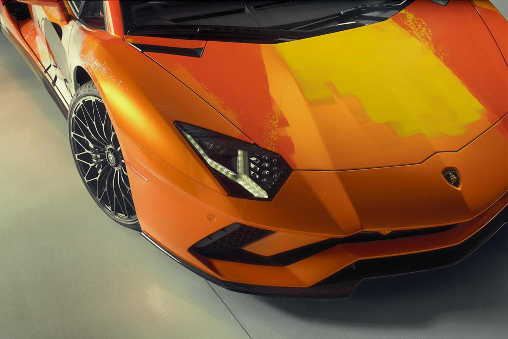 Ngam Lamborghini Aventador S 'ban ve tay' cua thanh nien 19 tuoi hinh anh 8