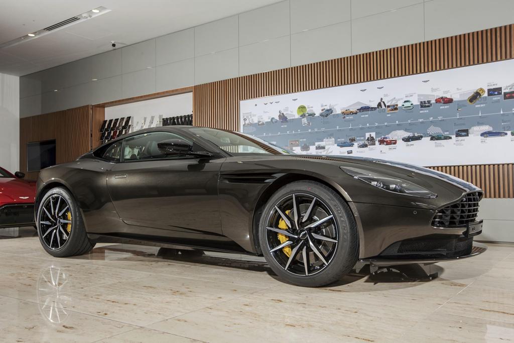 Sieu xe Aston Martin DB11 Kopi Bronze doc nhat VN gia 16 ty da co chu hinh anh 1