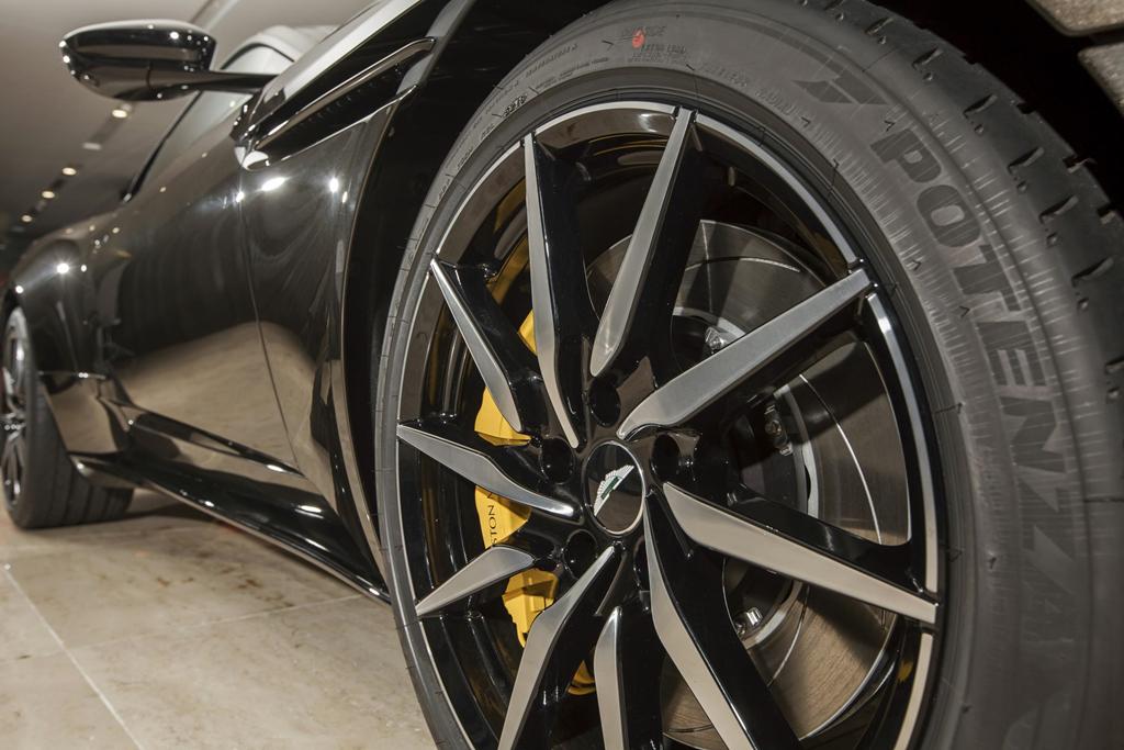 Sieu xe Aston Martin DB11 Kopi Bronze doc nhat VN gia 16 ty da co chu hinh anh 5