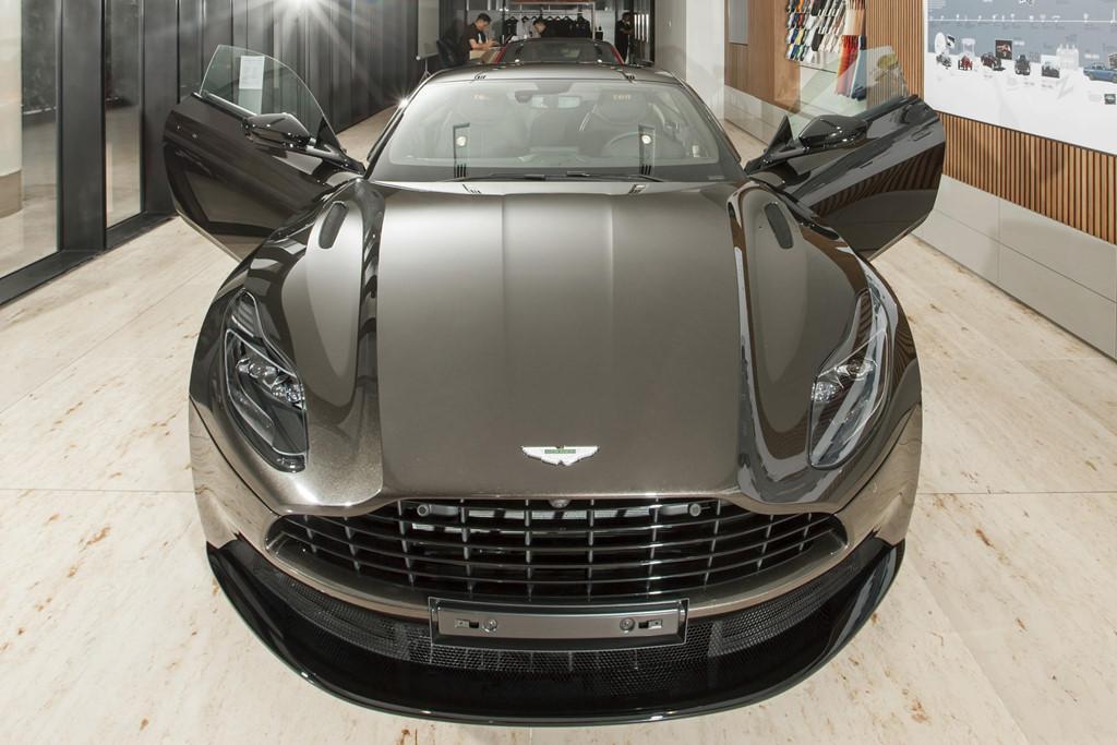 Sieu xe Aston Martin DB11 Kopi Bronze doc nhat VN gia 16 ty da co chu hinh anh 2