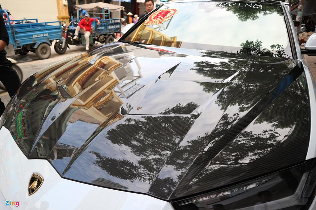 Dan xe dua dau con gai Minh Nhua vang bong sieu xe Pagani Huayra hinh anh 6