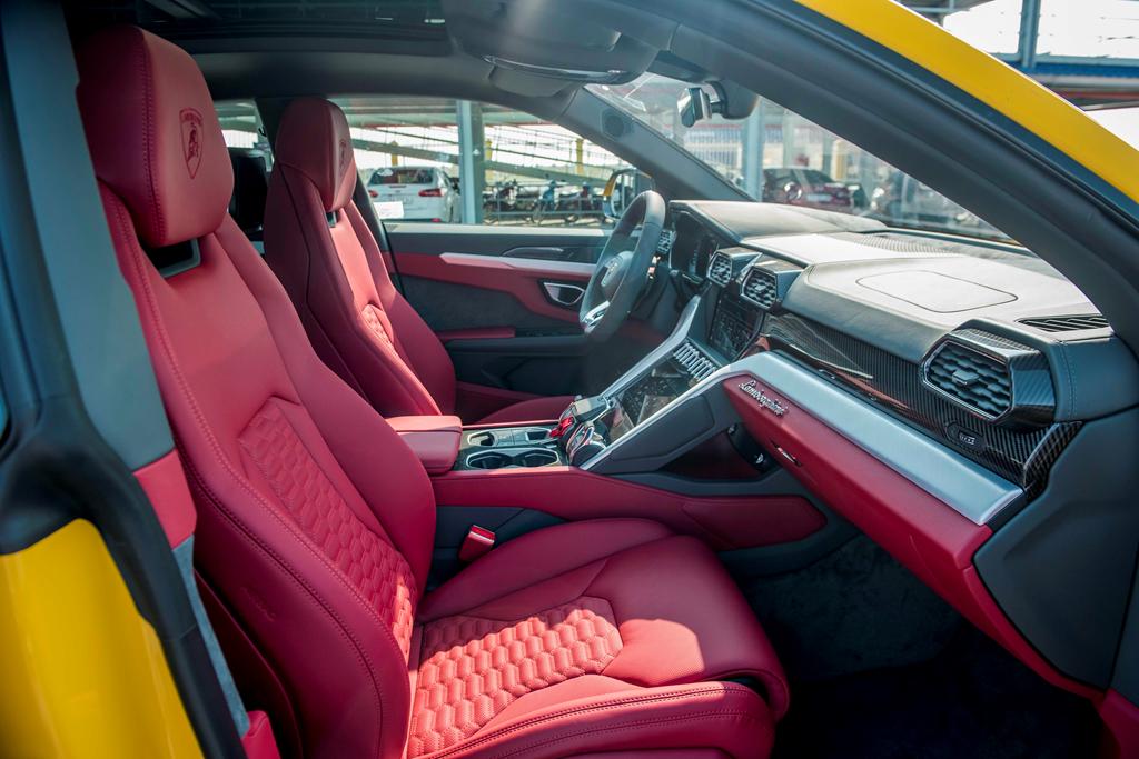 Sieu SUV Lamborghini Urus chinh hang thu 3 cap ben VN hinh anh 10