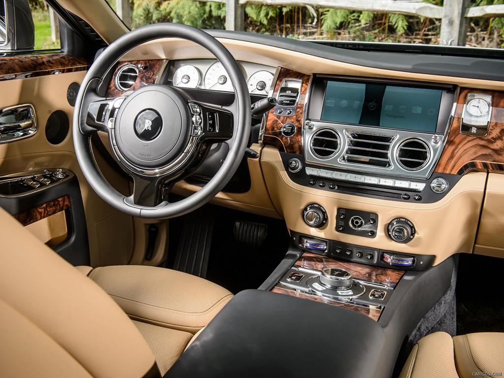 Coupe sieu sang Rolls-Royce Wraith phoi mau la dao pho Ha Noi hinh anh 9
