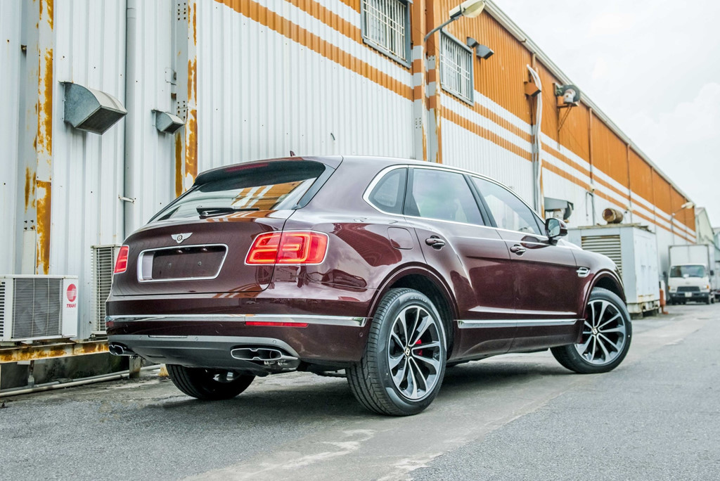 Bentley Bentayga V8 ban ky niem thu 2 ve VN, mau doc nhat the gioi hinh anh 9