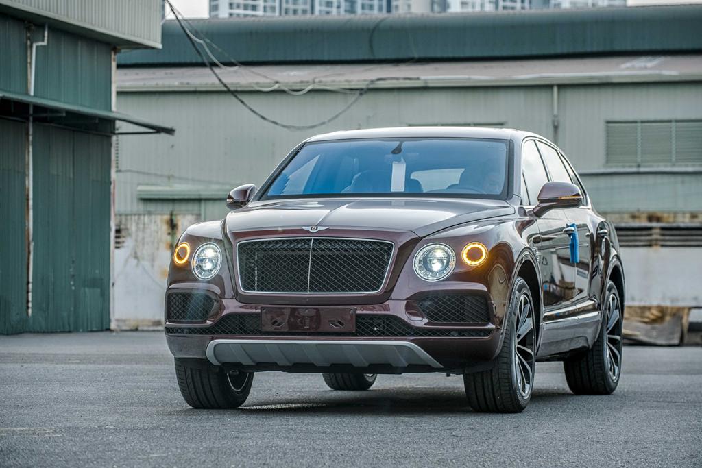 Bentley Bentayga V8 ban ky niem thu 2 ve VN, mau doc nhat the gioi hinh anh 10