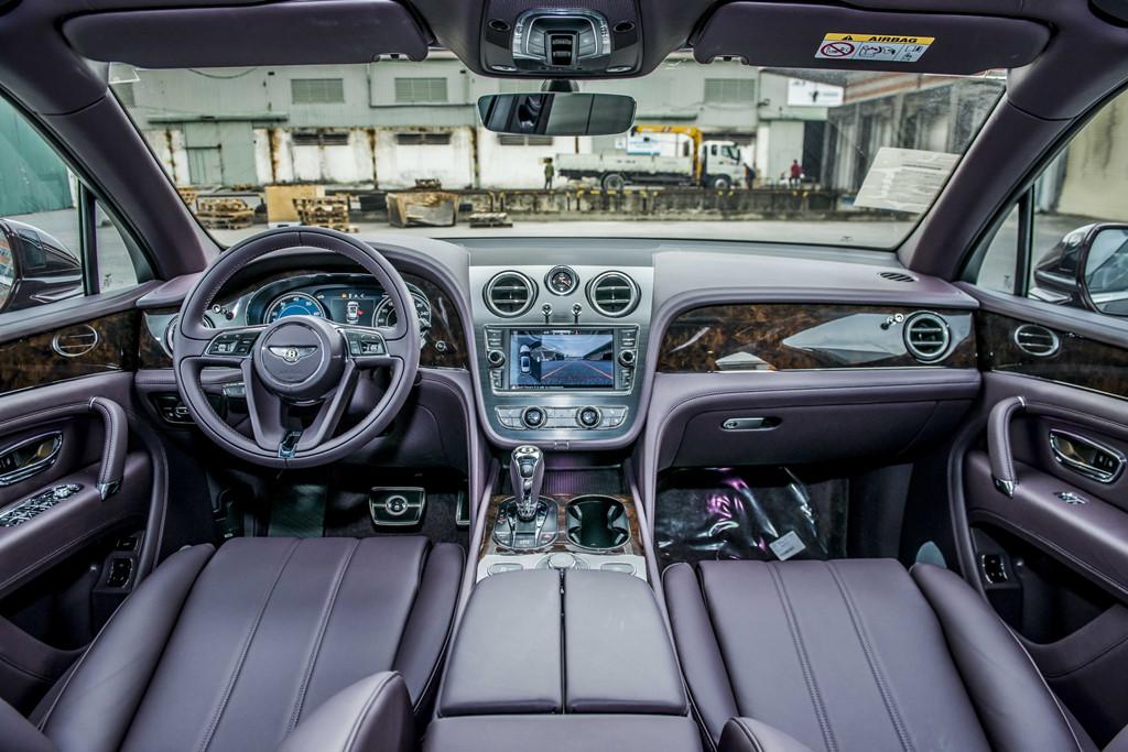 Bentley Bentayga V8 ban ky niem thu 2 ve VN, mau doc nhat the gioi hinh anh 6