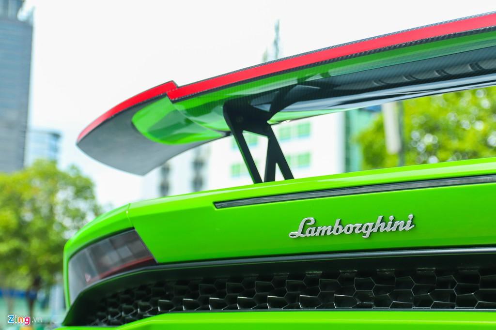 Lamborghini Huracan khoac ao xe dua GT3 tai TP.HCM hinh anh 6