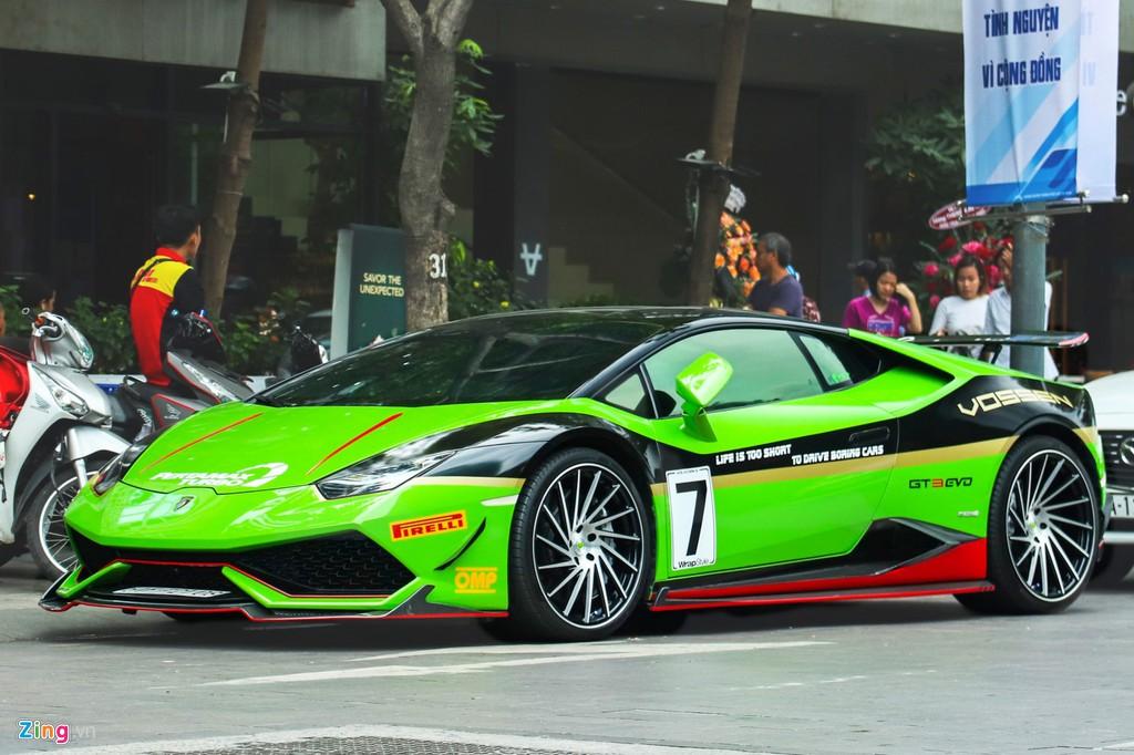 Lamborghini Huracan khoac ao xe dua GT3 tai TP.HCM hinh anh 1