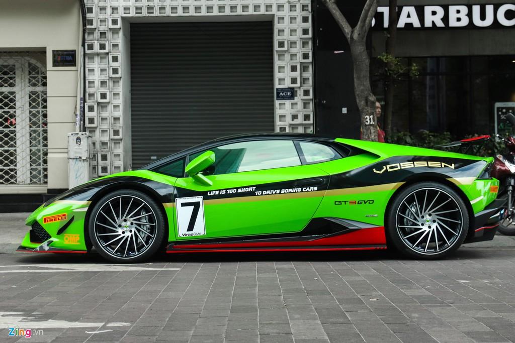 Lamborghini Huracan khoac ao xe dua GT3 tai TP.HCM hinh anh 2