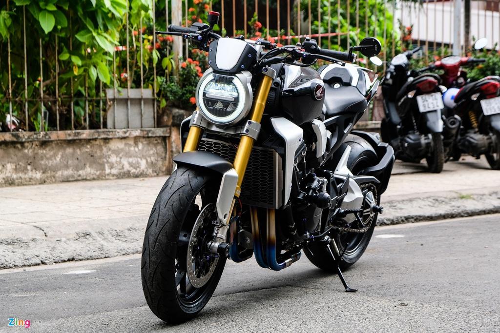 Honda CB1000R Plus voi goi do 200 trieu dong cua biker TP.HCM hinh anh 1 HondaCB1000_zing_12.jpg
