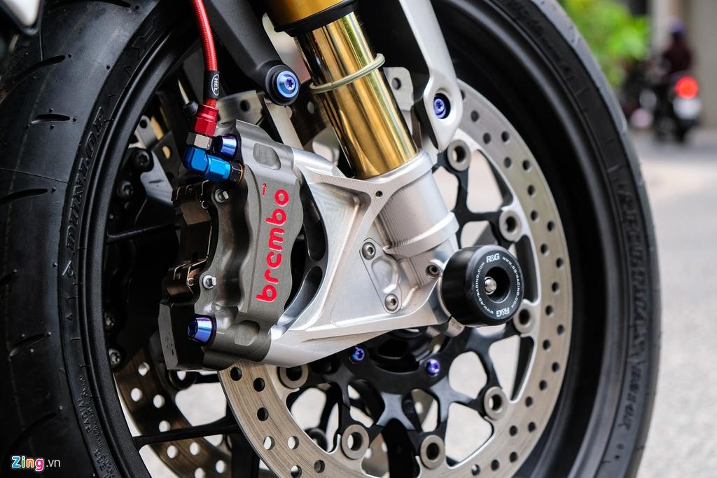 Honda CB1000R Plus voi goi do 200 trieu dong cua biker TP.HCM hinh anh 4 HondaCB1000_zing_7.jpg