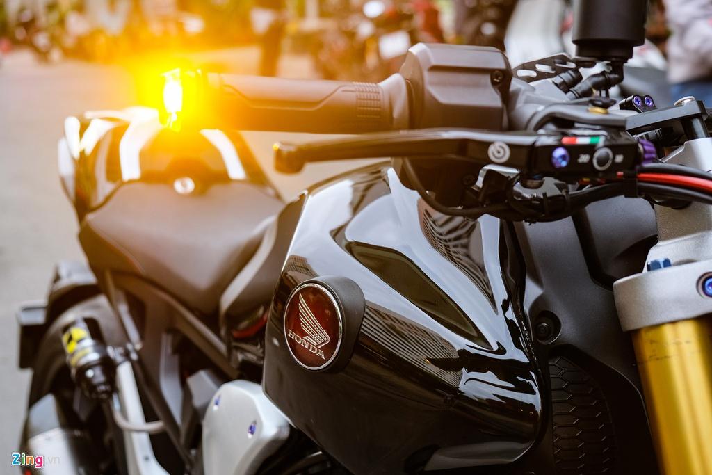 Honda CB1000R Plus voi goi do 200 trieu dong cua biker TP.HCM hinh anh 10 HondaCB1000_zing_8.jpg