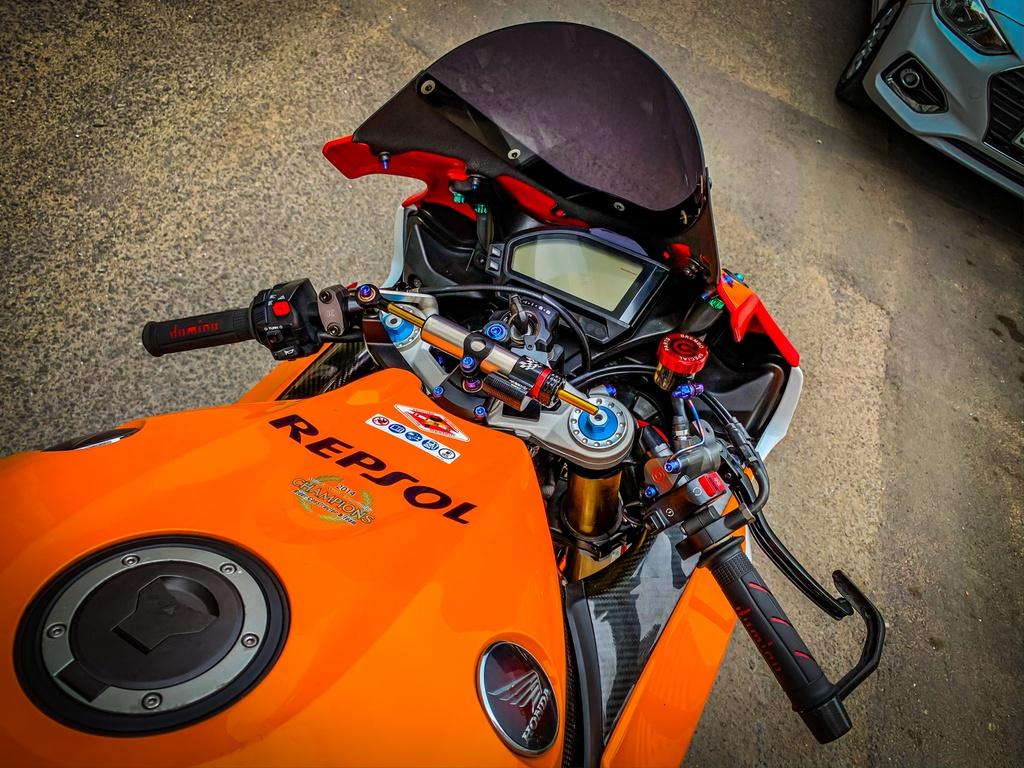 Honda CBR1000RR lot xac voi trang bi thua tu xe dua MotoGP hinh anh 3 CBR_11.jpeg