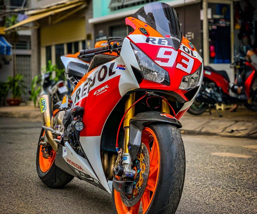 Honda CBR1000RR lot xac voi trang bi thua tu xe dua MotoGP hinh anh 6 CBR_3.jpeg