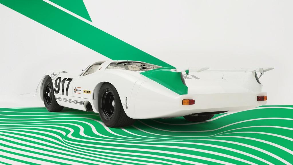 Nhung chiec Porsche 917 noi bat nhat lich su hinh anh 8 Porsche_917_in_green_and_white_launch_livery_2.jpg