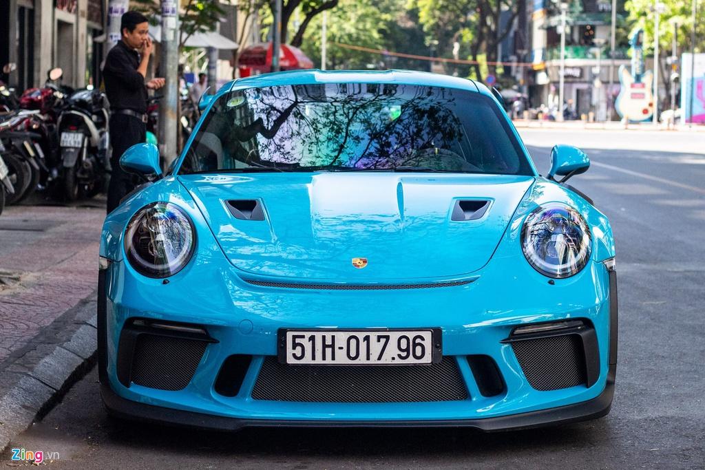 Porsche 911 GT3 RS mau doc gia 14 ty lan banh tai TP.HCM hinh anh 2 IMG_3869_zing_1.jpg