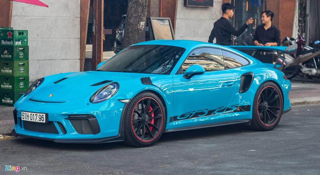 Porsche 911 GT3 RS mau doc gia 14 ty lan banh tai TP.HCM hinh anh 1 IMG_4979_zing.jpg