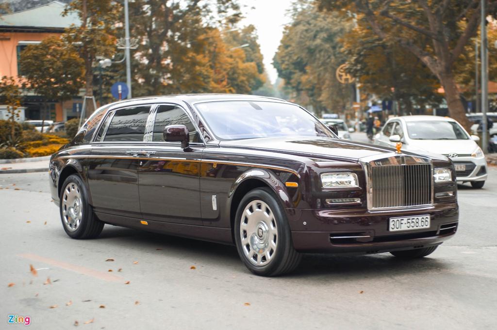 Chiec Rolls-Royce Phantom doc nhat gan bien so HN xuat hien tren pho hinh anh 9 PT_zing_17.jpg