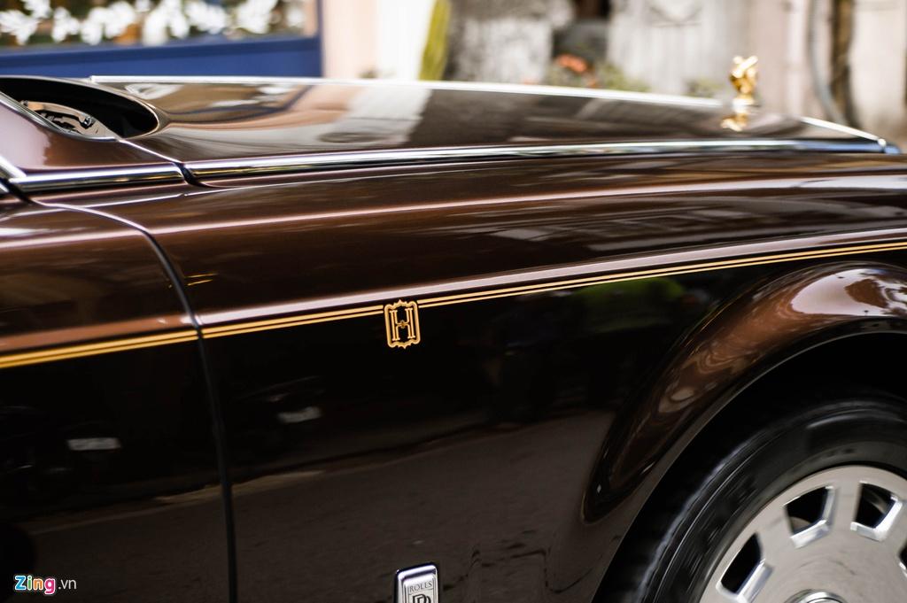 Chiec Rolls-Royce Phantom doc nhat gan bien so HN xuat hien tren pho hinh anh 7 PT_zing_18.jpg