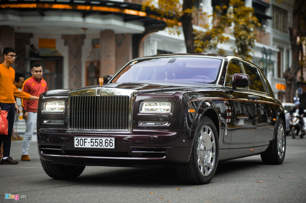Chiec Rolls-Royce Phantom doc nhat gan bien so HN xuat hien tren pho hinh anh 1 PT_zing_2.jpg