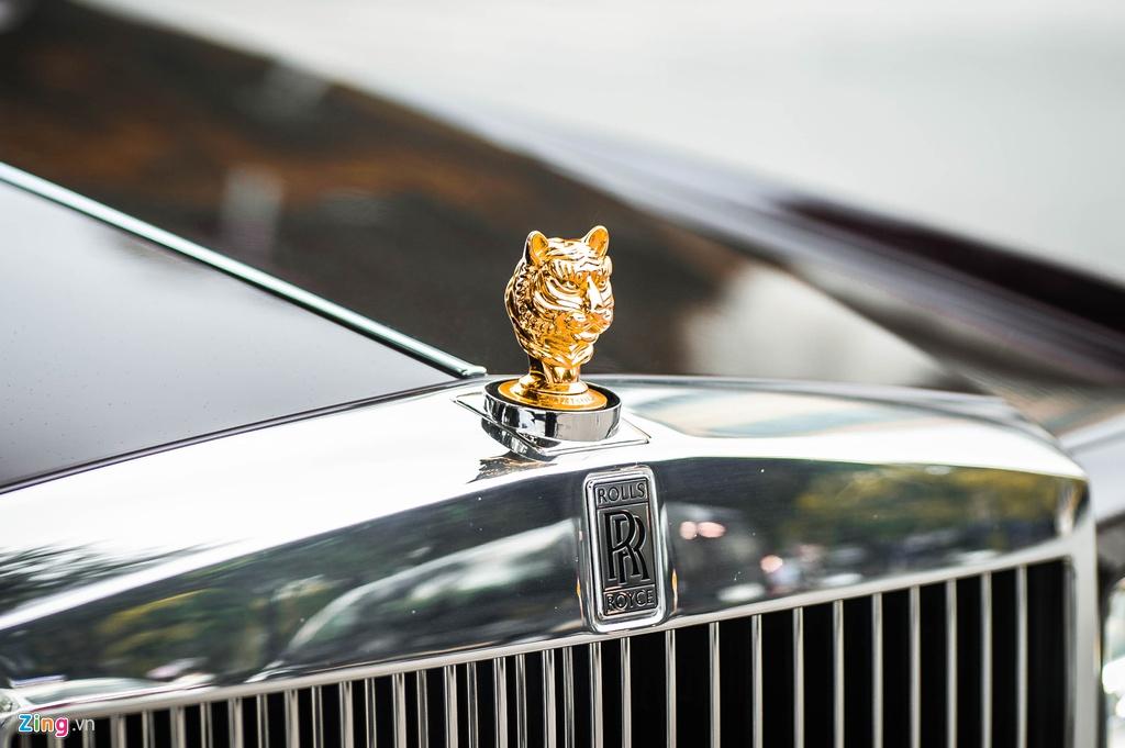 Chiec Rolls-Royce Phantom doc nhat gan bien so HN xuat hien tren pho hinh anh 6 PT_zing_6.jpg