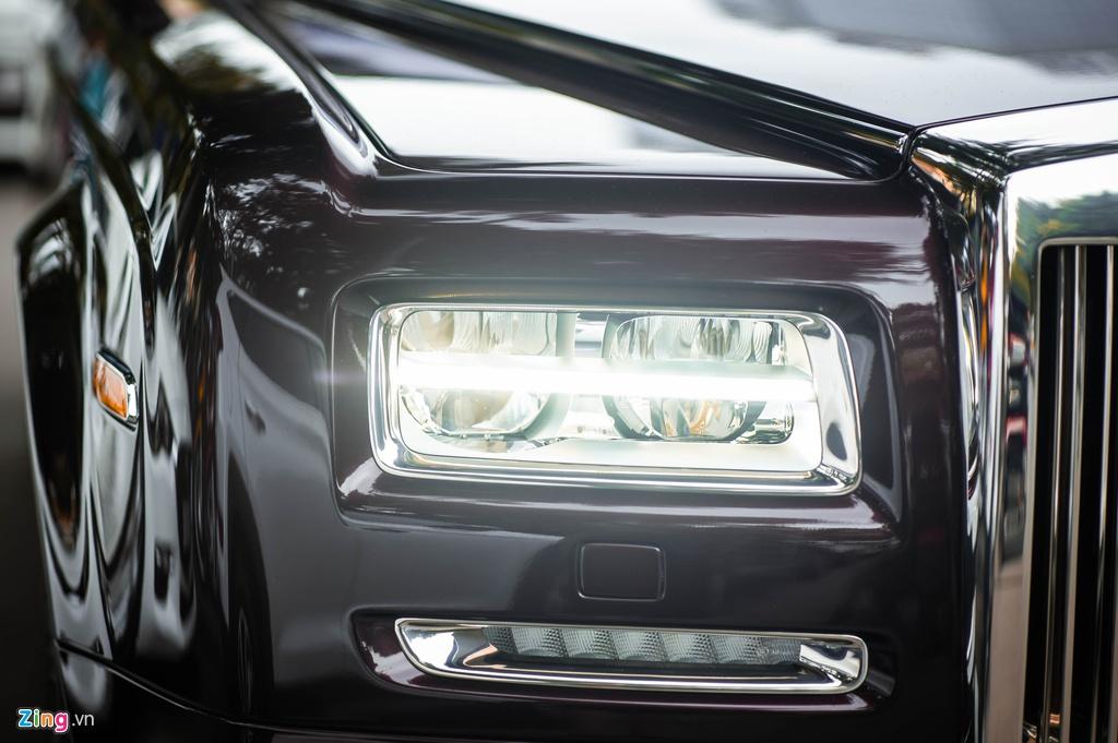 Chiec Rolls-Royce Phantom doc nhat gan bien so HN xuat hien tren pho hinh anh 4 PT_zing_7.jpg