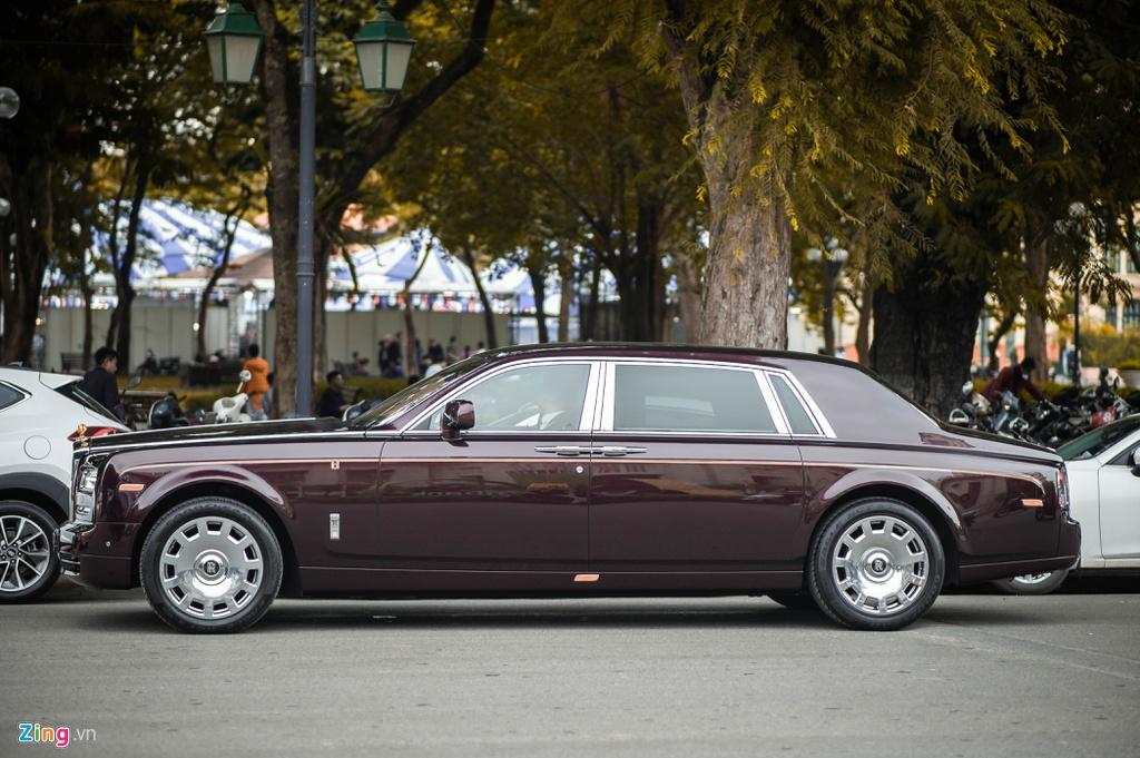 Chiec Rolls-Royce Phantom doc nhat gan bien so HN xuat hien tren pho hinh anh 8 PT_zing_9.jpg