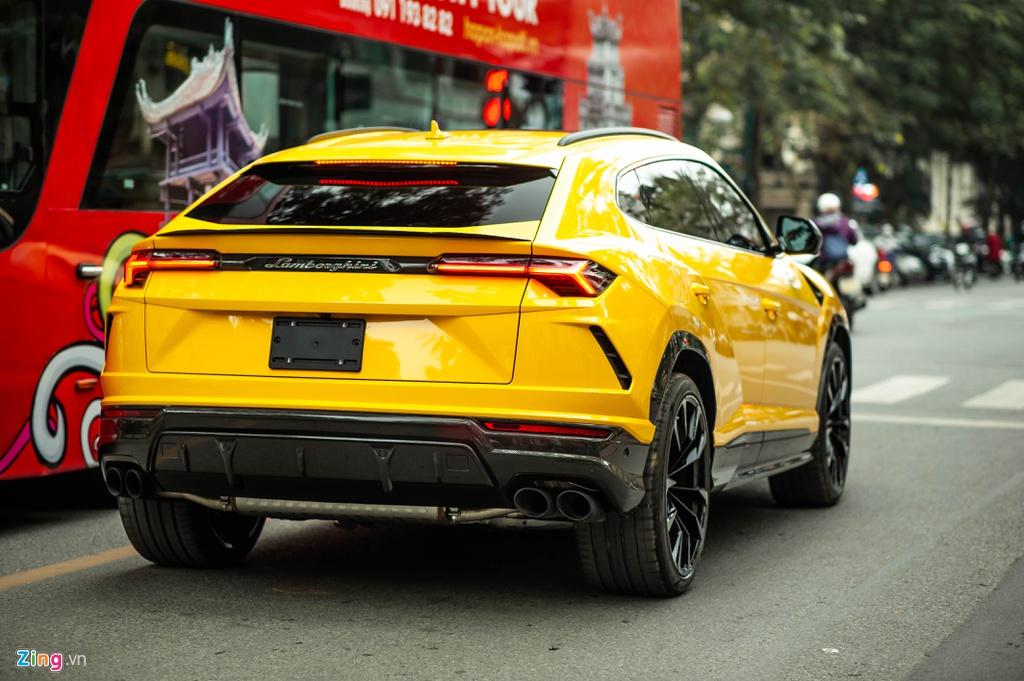 Chi tiet Lamborghini Urus thu 7 ve Viet Nam, nhieu tuy chon dang gia hinh anh 2 BAC_3313_zing.jpg