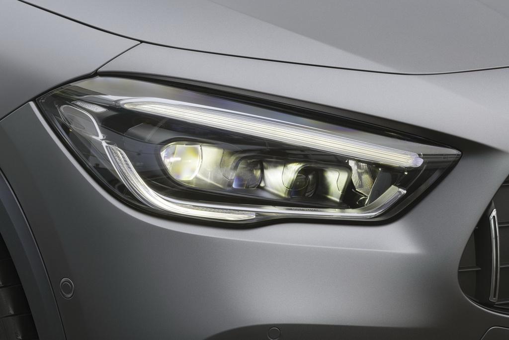 Mercedes-AMG GLA 45 ra mat, quai thu trong than hinh nho be hinh anh 4 2021_mercedes_amg_gla_45_13.jpg
