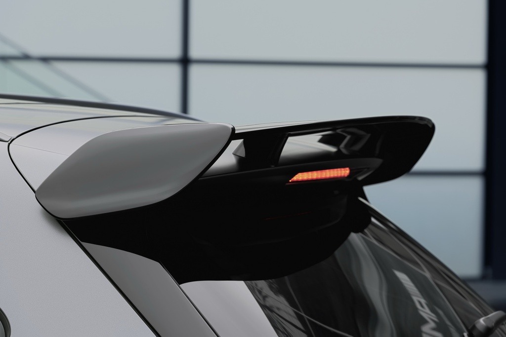 Mercedes-AMG GLA 45 ra mat, quai thu trong than hinh nho be hinh anh 6 2021_mercedes_amg_gla_45_15.jpg
