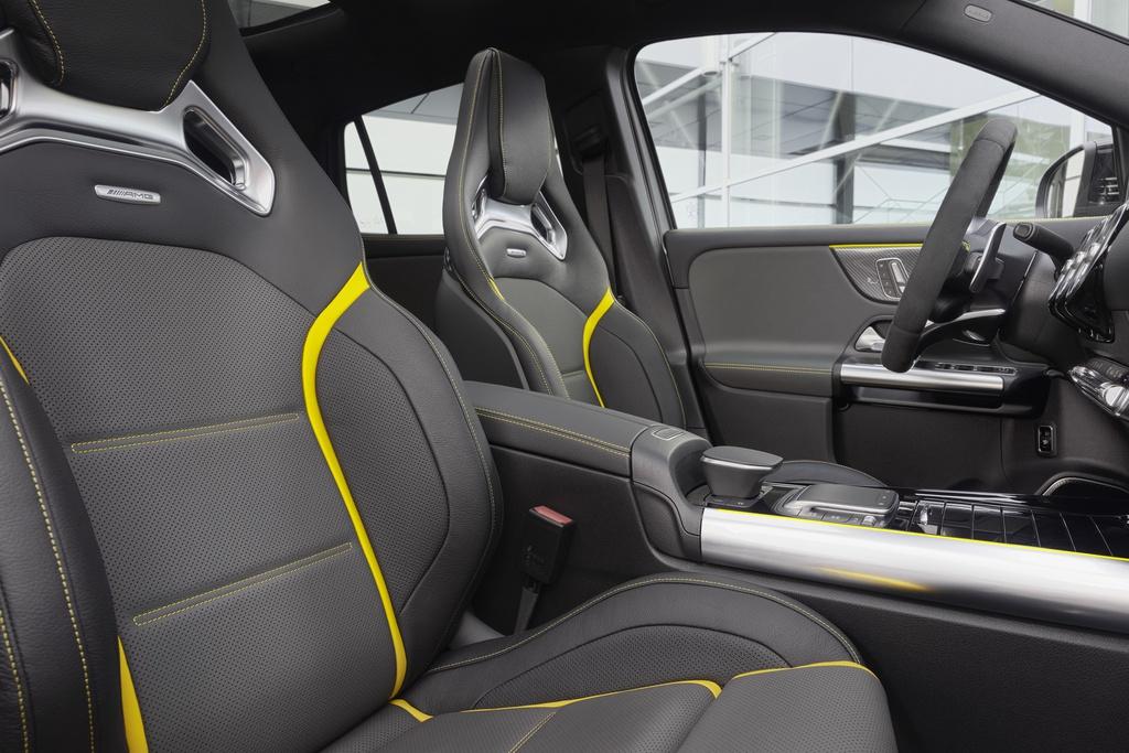 Mercedes-AMG GLA 45 ra mat, quai thu trong than hinh nho be hinh anh 8 2021_mercedes_amg_gla_45_21.jpg