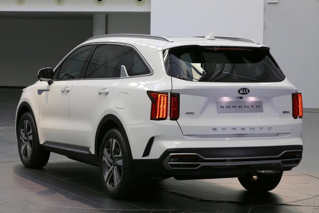 Hyundai Santa Fe doi dau Kia Sorento 2021 hinh anh 7 Kia_Sorento_2021_1600_1a.jpg
